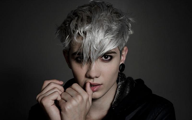 Gaya Rambut Pria Warna Silver 5