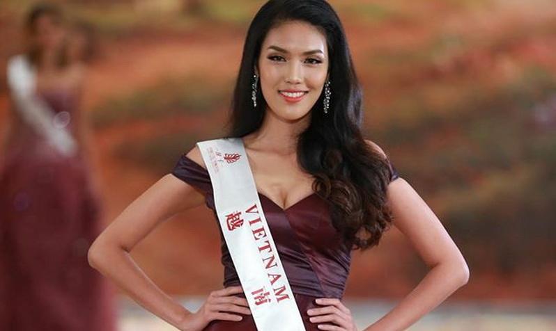 https: img.okezone.com content 2015 12 20 194 1271450 vietnam-pemenang-world-fashion-designer-missworld2015-gdlFFCEv9P.jpg