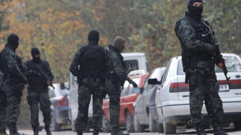https: img.okezone.com content 2015 12 22 18 1272956 polisi-bosnia-tangkap-11-terduga-teroris-RWji91EZs0.jpg