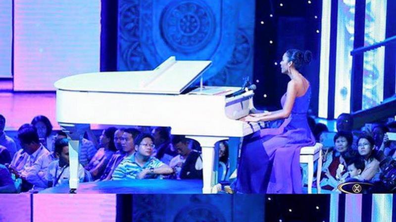 https: img.okezone.com content 2015 12 27 194 1275533 selain-baik-maria-harfanti-jago-bermain-piano-mariaharfantijuara3-WBjKzgGu0K.jpg