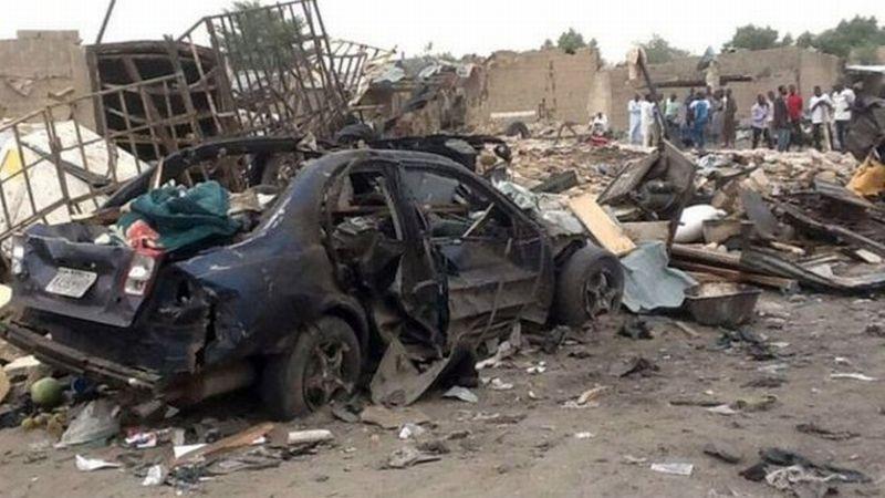Puing-puing setelah ledakan yang dilancarkan oleh Boko Haram di Kota Maiduguri (Foto: BBC)