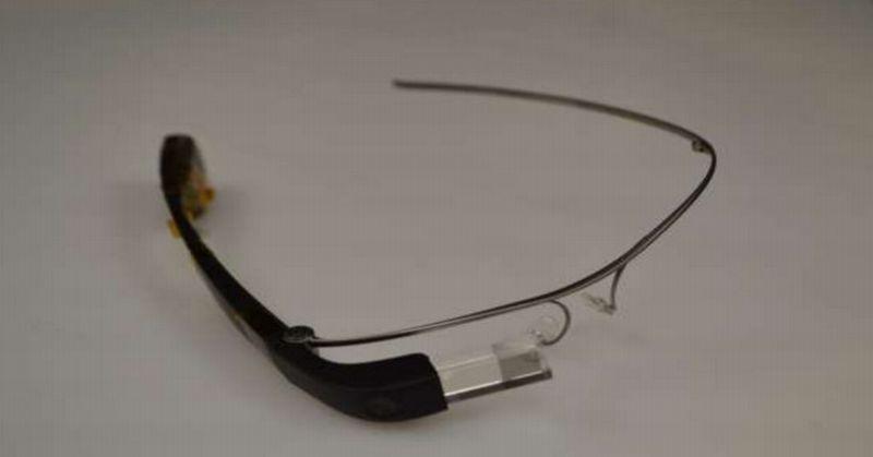 https: img.okezone.com content 2015 12 29 57 1276665 nongol-di-fcc-ini-wujud-google-glass-DnCrfAKkVe.jpg