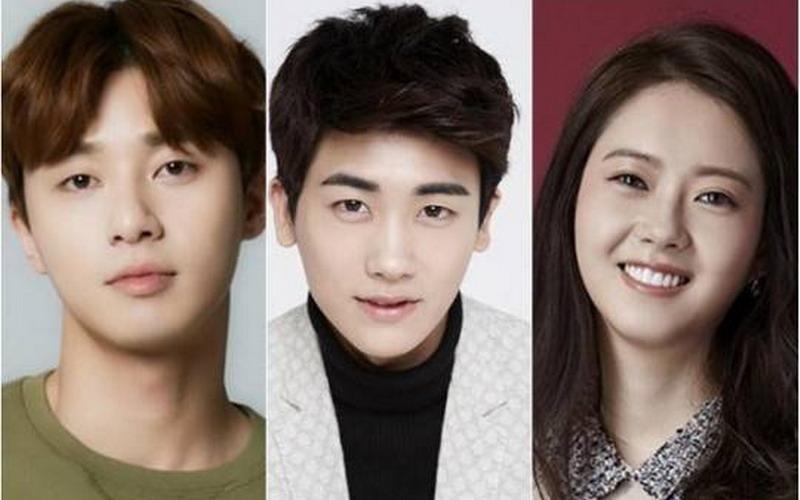 https: img.okezone.com content 2016 01 05 33 1281033 cinta-segitiga-park-seo-joon-go-ara-dan-hyungsik-FTOEWSWL0o.jpg