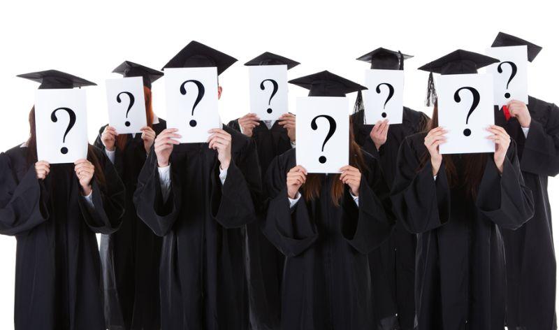 Lulus Kuliah Tepat Waktu atau di Waktu yang Tepat?