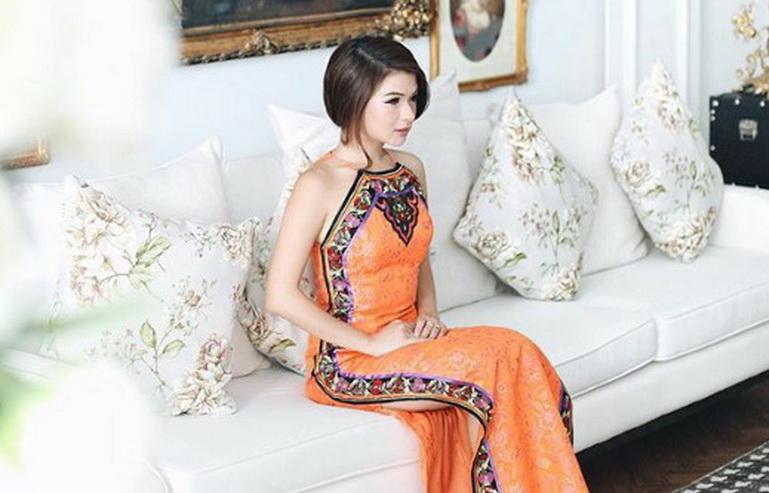 https: img.okezone.com content 2016 02 05 194 1305417 inspirasi-cheongsam-ala-seleb-fashion-blogger-indonesia-qj99Dwvg5u.jpg