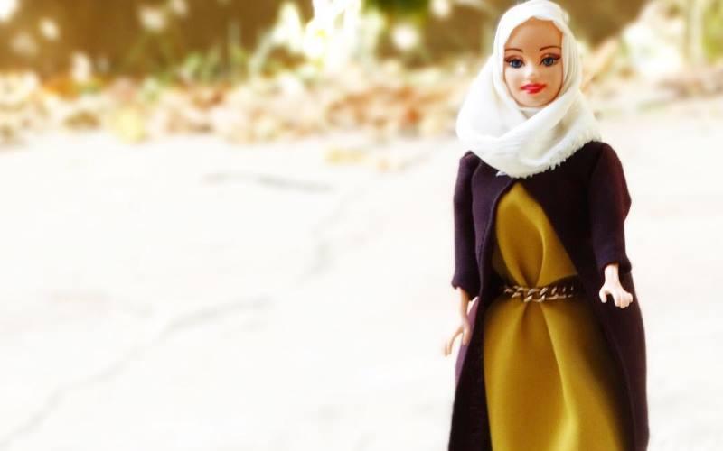 https: img.okezone.com content 2016 02 06 18 1306397 hijarbie-barbie-berjilbab-yang-menuai-cercaan-netizen-os7Sy6OMsC.jpg