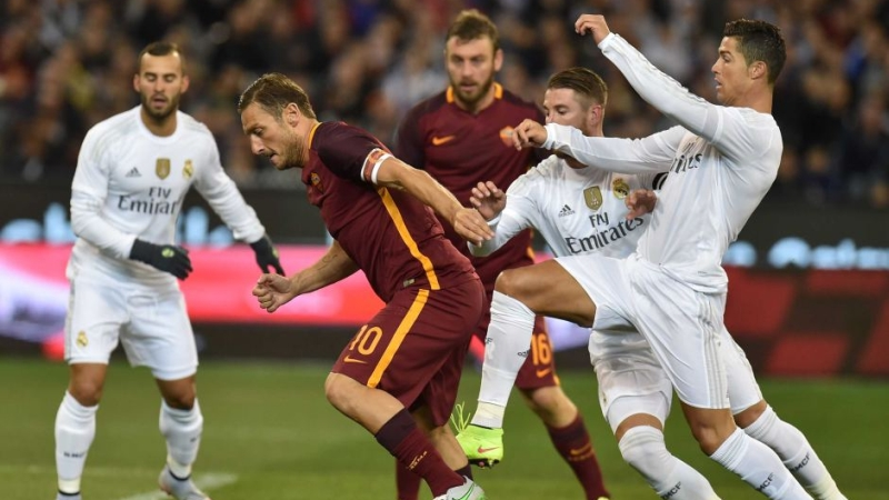 https: img.okezone.com content 2016 02 17 261 1314140 top-score-lima-laga-menarik-as-roma-vs-madrid-iCdQHfn1nc.jpg
