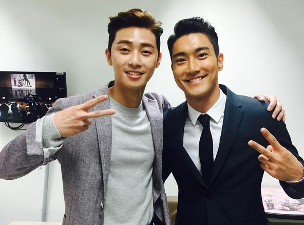 https: img.okezone.com content 2016 02 24 206 1320541 park-seo-joon-dan-siwon-menang-best-bromance-hhsDn5OuJt.jpg