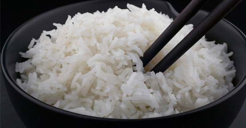 https: img.okezone.com content 2016 03 02 298 1325877 tips-masak-nasi-yang-putih-alami-VduKDzFca6.jpg