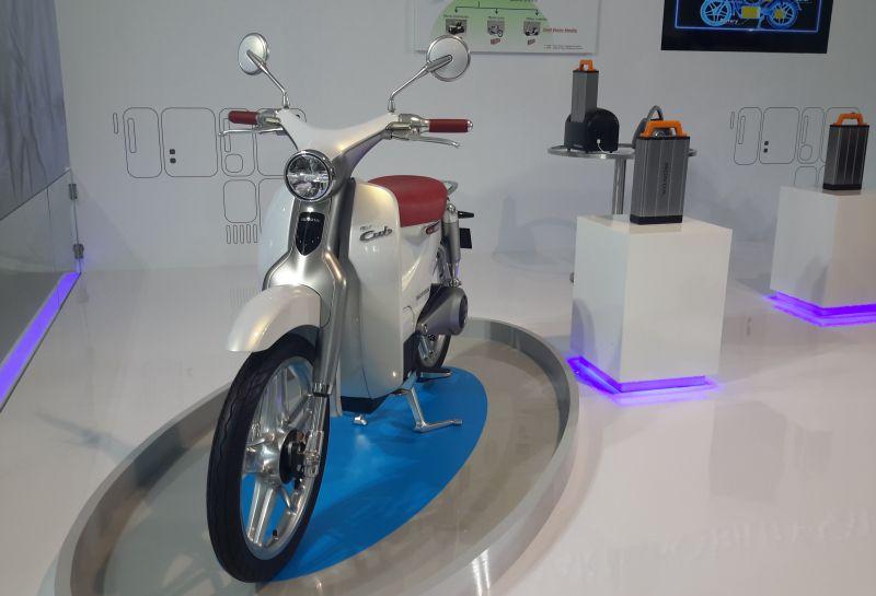Ilustrasi Honda EV-Cub dalam sebuah acara diskusi di Depok beberapa waktu lalu (Okezone)