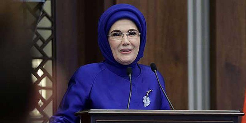 https: img.okezone.com content 2016 03 11 18 1332842 ibu-negara-turki-puji-selir-sebagai-pembelajaran-untuk-perempuan-LafOhdPsJN.jpg
