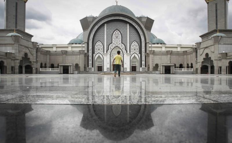 https: img.okezone.com content 2016 03 18 18 1339854 pemerintah-malaysia-pantau-aktivitas-muslim-liberal-0isHnKbTtJ.jpg