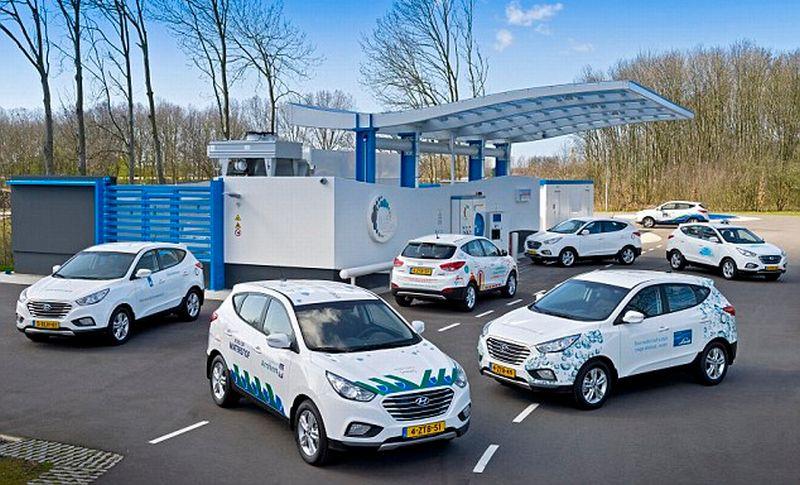 Mobl fuel cell hidrogen Hyundai ix35 digunakan sebagai pembangikit listrik untuk rumah (Hyundai)