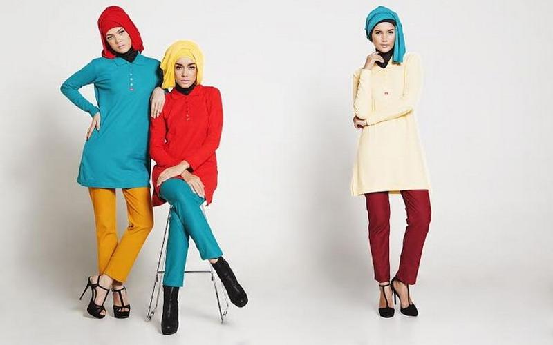 https: img.okezone.com content 2016 03 29 194 1347975 mix-and-match-polo-shirt-untuk-hijabers-y3utnjQDYb.jpg