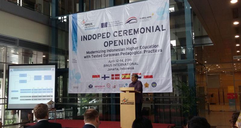 https: img.okezone.com content 2016 04 12 65 1360463 kolaborasi-kampus-indonesia-eropa-untuk-modernisasi-perguruan-tinggi-0ESZKX84sN.jpg