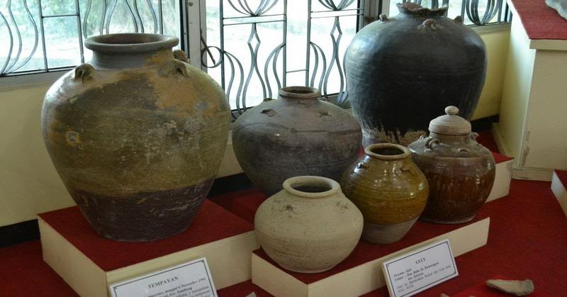 https: img.okezone.com content 2016 04 19 406 1366576 menikmati-wisata-keramik-kuno-di-downtown-denpasar-d5wrdevn1Q.jpg