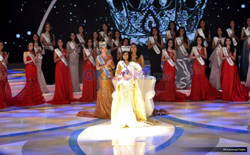 https: img.okezone.com content 2016 04 22 194 1370328 top-fashion-4-natasha-mannuela-raih-penghargaan-kartini-masa-kini-R1FWVUwcIn.jpg