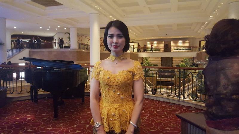 https: img.okezone.com content 2016 04 22 196 1370246 liliana-tanoesoedibjo-ajak-wanita-indonesia-teladani-sifat-kartini-CwSOOC8yRX.jpg