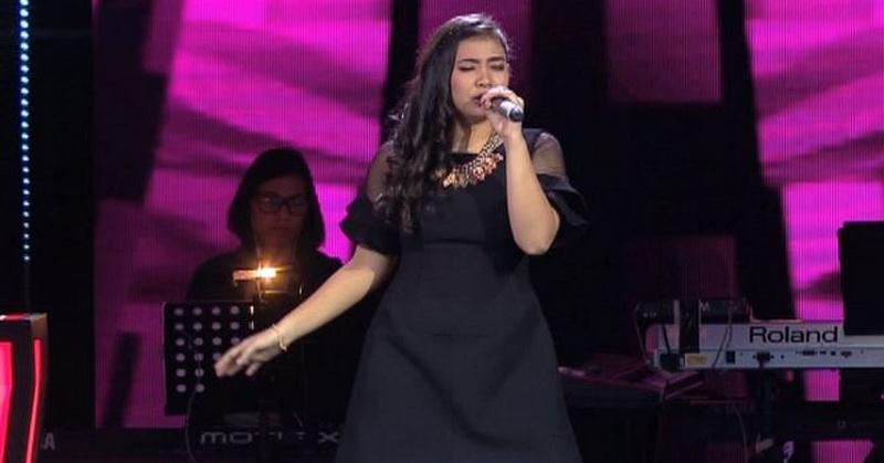 https: img.okezone.com content 2016 04 22 205 1370463 penampilan-maria-stella-bikin-ari-lasso-tersindir-4rLSK0ZHyF.jpg