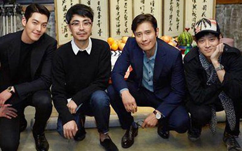 https: img.okezone.com content 2016 04 25 206 1371883 top-gossip-2-sederet-aktor-tampan-korea-siap-bintangi-film-master-BJankhuB3y.jpg