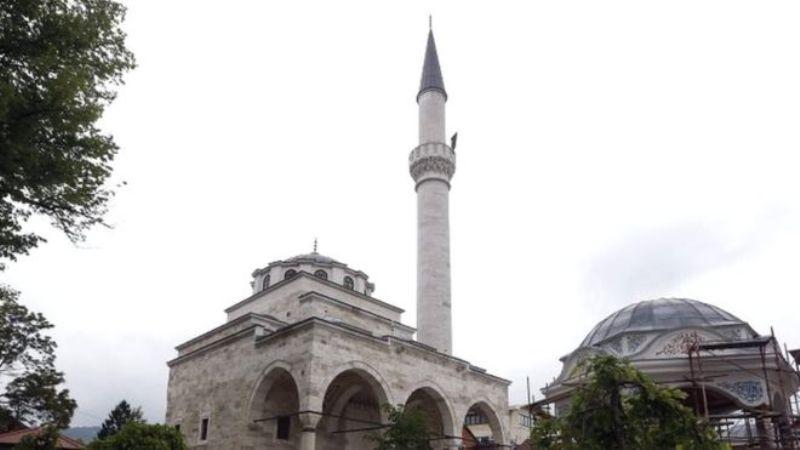 https: img.okezone.com content 2016 05 08 18 1382647 masjid-peninggalan-perang-etnis-bosnia-dibuka-kembali-UEkgGbgNhZ.jpg