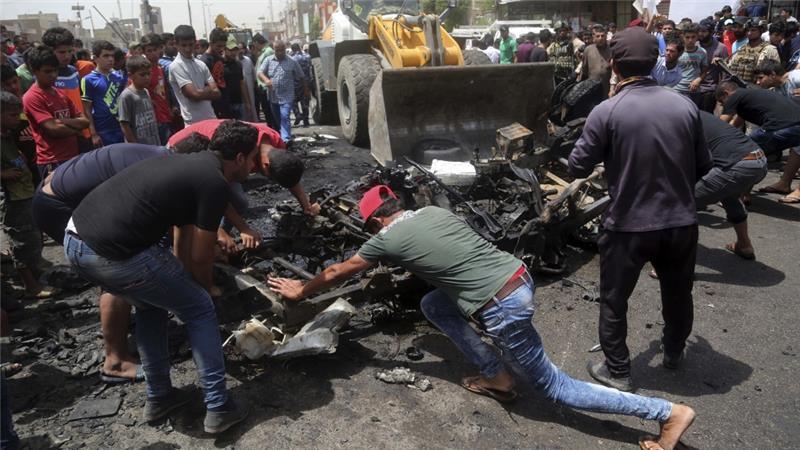 https://img.okezone.com/content/2016/05/11/18/1386065/ledakan-bom-mobil-di-baghdad-tewaskan-64-orang-oUQ1cSYlnE.jpg