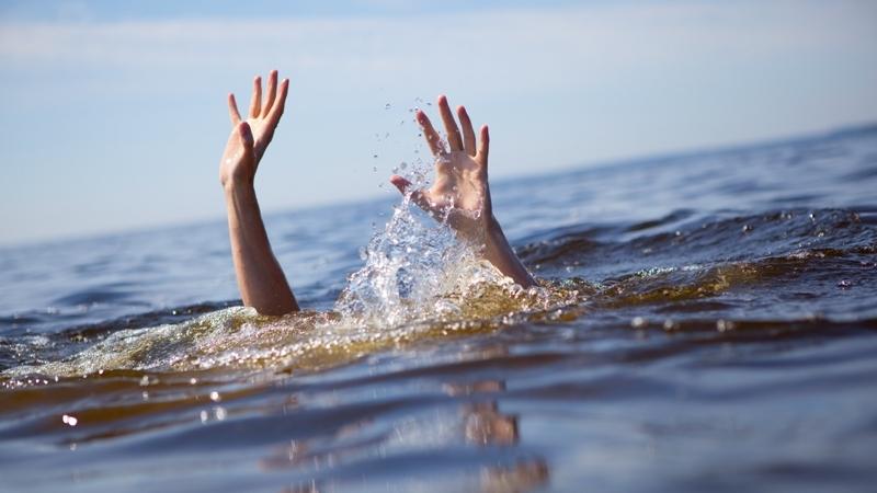 Hasil gambar untuk anak tenggelam