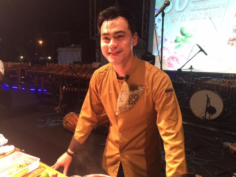 https: img.okezone.com content 2016 05 14 298 1388387 chef-steby-ini-kriteria-makanan-enak-4g28j4hMsS.jpg