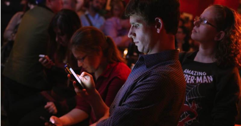 Penggunaan Smartphone Berlebihan Tunjukkan Gejala Kelainan Otak