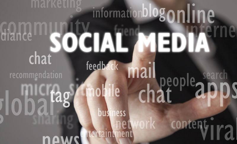 Oleh karena itu, cara paling mudah untuk menyebarkan kabar kebaikan itu adalah lewat media sosial.