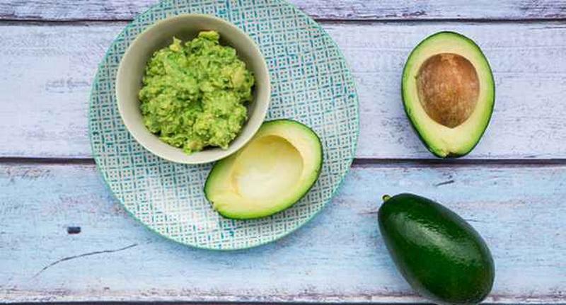 https: img.okezone.com content 2016 05 20 481 1393351 turunkan-kolesterol-dengan-konsumsi-buah-buahan-ini-CUmYvxzauU.jpg