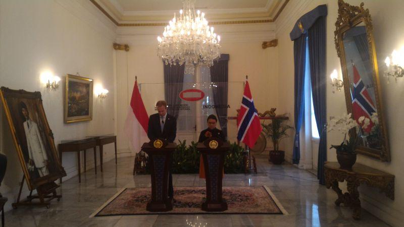 https: img.okezone.com content 2016 05 30 18 1401278 indonesia-norwegia-perkuat-kerjasama-di-tiga-bidang-aZemY1NYqH.jpg
