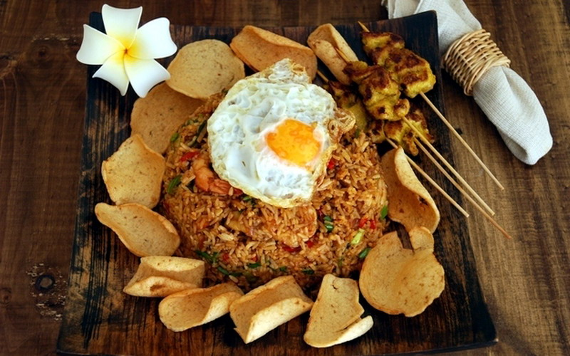 https: img.okezone.com content 2016 06 01 298 1403549 bahan-impor-bikin-makanan-tradisional-lebih-berkelas-loz1UlU7pY.jpg