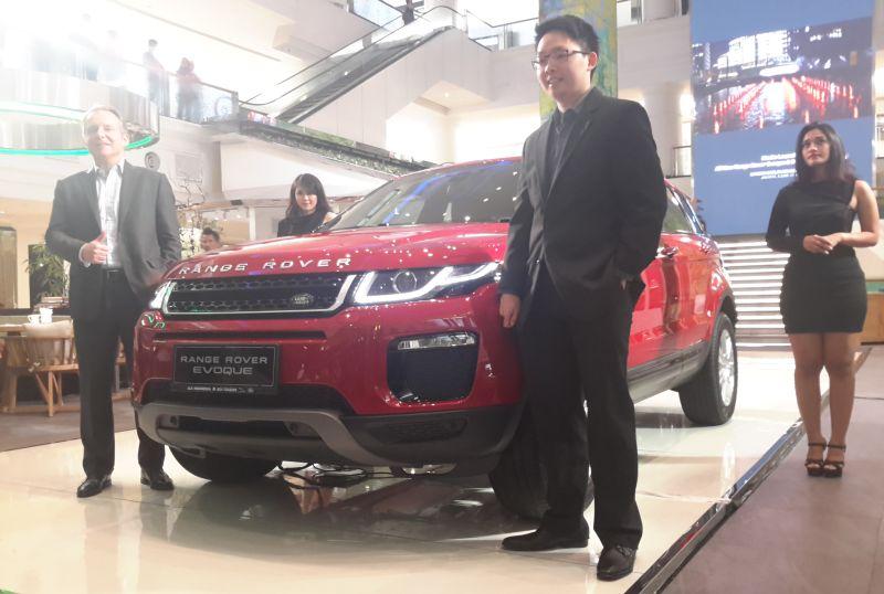 Masuk Indonesia Ini Harga Range Rover 3 0 Autobiography Evoque Facelift Okezone Otomotif