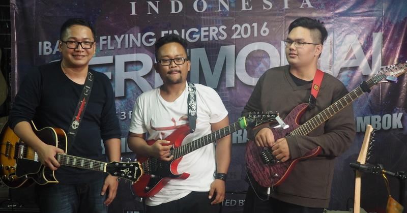 https: img.okezone.com content 2016 06 06 205 1407097 personel-megadeth-terpukau-dengan-gitaris-indonesia-ZODSeqNzso.JPG
