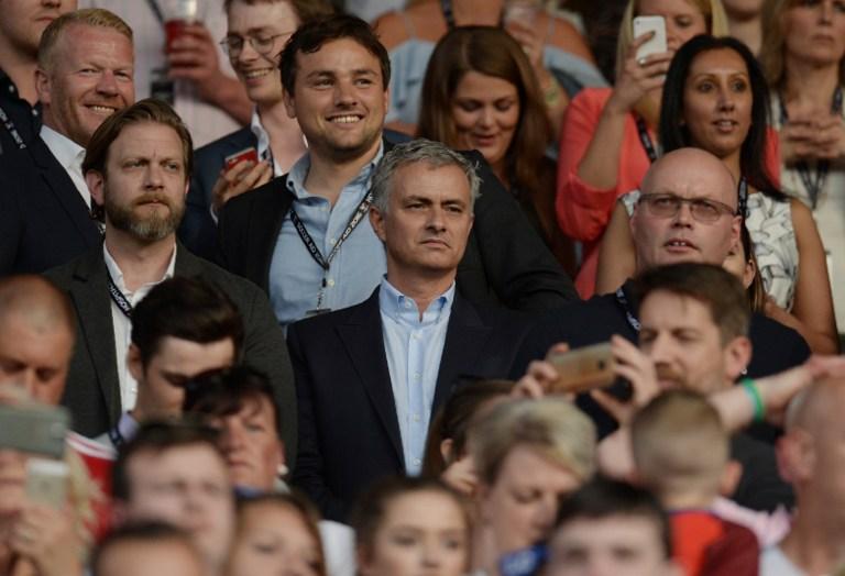 https: img.okezone.com content 2016 06 06 45 1407793 pallister-mourinho-dapat-membawa-man-united-raih-gelar-juara-premier-league-nLuK0yEDir.jpg