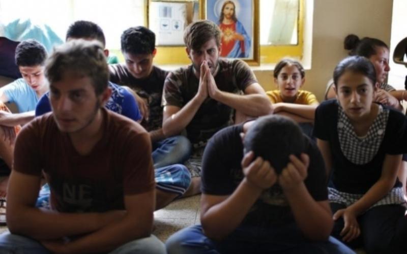https: img.okezone.com content 2016 06 08 18 1409028 berbondong-bondong-murtad-pengungsi-di-eropa-beralih-ke-kristen-xOnOCvS3tP.jpg