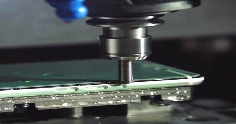 Mengintip Proses di Balik Pabrikasi Smartphone di Foxconn