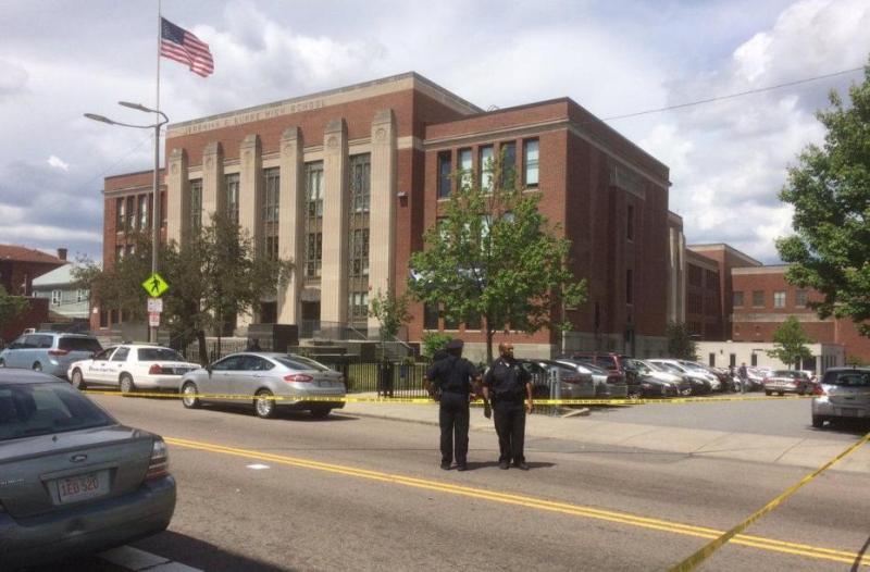 Penembakan dekat SMA Boston (Foto: Twitter)