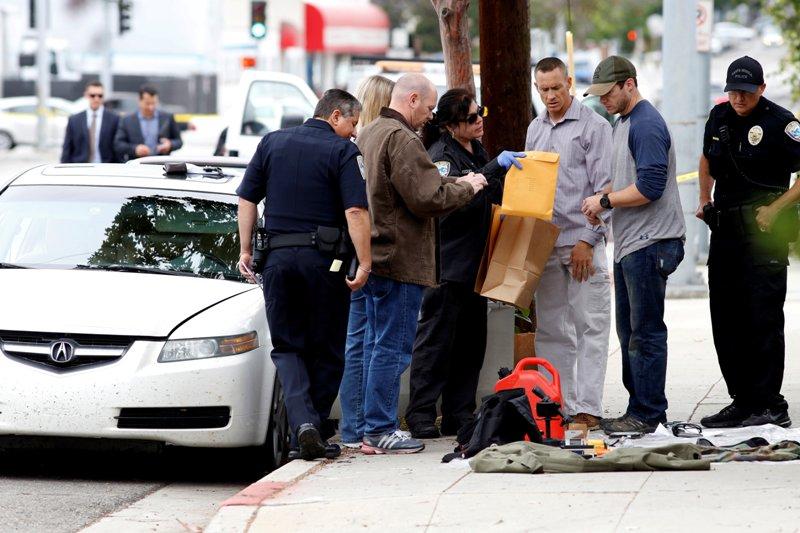 https: img.okezone.com content 2016 06 13 18 1413281 setelah-penembakan-pria-bersenjata-susupi-parade-kaum-lgbt-ghpwTcXhx9.jpg