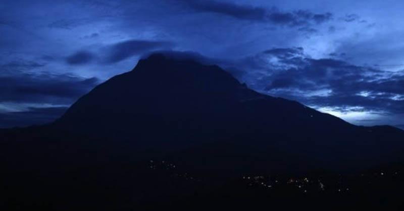 Alquran Jelaskan Peran Gunung sebagai Penstabil Bumi