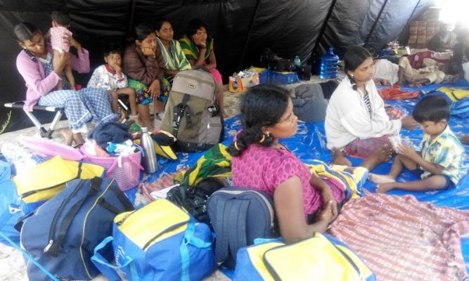 https: img.okezone.com content 2016 06 21 337 1421622 pemulangan-43-imigran-ilegal-asal-sri-lanka-terkendala-kedutaan-pN0kvTrGum.jpg