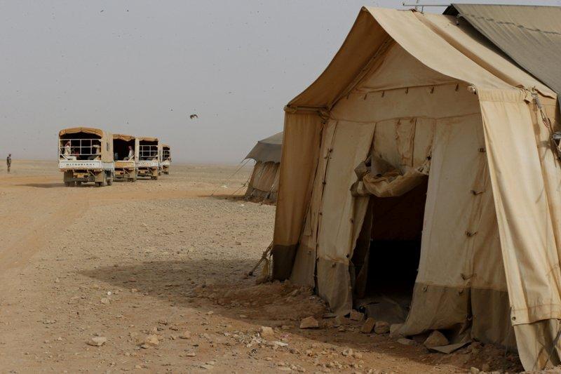 https: img.okezone.com content 2016 06 22 18 1422079 yordania-tutup-perbatasan-usai-dibom-pengungsi-makin-sengsara-JY7v7d2Ut0.jpg