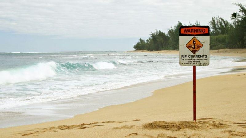 https: img.okezone.com content 2016 06 26 406 1425452 hal-berbahaya-yang-bisa-terjadi-di-pantai-yzxLThazhw.jpg