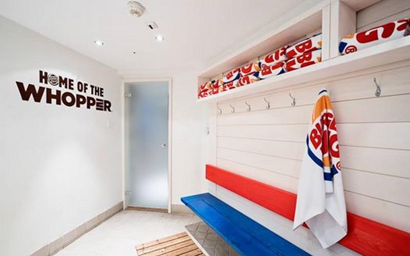 https: img.okezone.com content 2016 06 28 194 1427758 ini-tempat-spa-restoran-burger-king-yang-bikin-penasaran-Nspjcn3Gpc.jpg