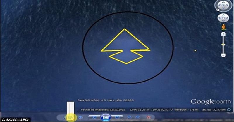 Piramida Raksasa Misterius Terlihat di Dasar Laut