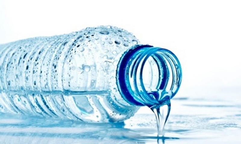 https: img.okezone.com content 2016 07 01 481 1431026 bahaya-sering-isi-ulang-dalam-botol-plastik-ZNITyhS1t1.jpg