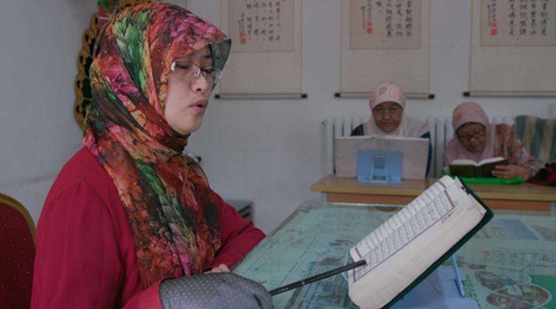Ma Lijuan, perempuan imam di Masjid Nanguan. (Foto: David Lom/Reuters)