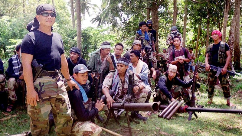 https://img.okezone.com/content/2016/07/11/18/1435884/tentara-filipina-tewaskan-40-militan-abu-sayyaf-rZPIxXkQMI.jpg