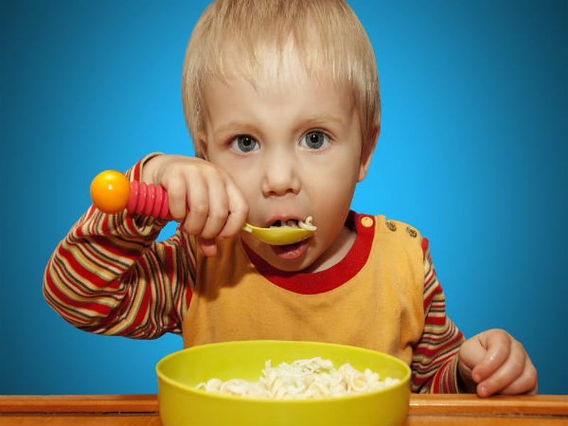 https: img.okezone.com content 2016 07 11 298 1435315 trik-siasati-pola-makan-pada-anak-RacYzhH2w3.jpg